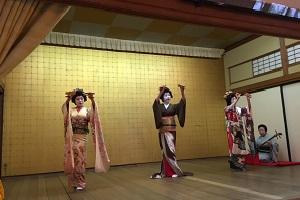 芸妓さん踊り